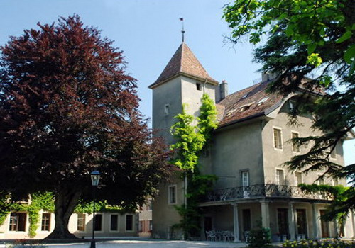 le rosey switzerland one of the worlds most expensive boarding school That is the alumni list of institut le rosey – a 137-year old boarding school in rolle, switzerland the school has been named the most expensive in the world.